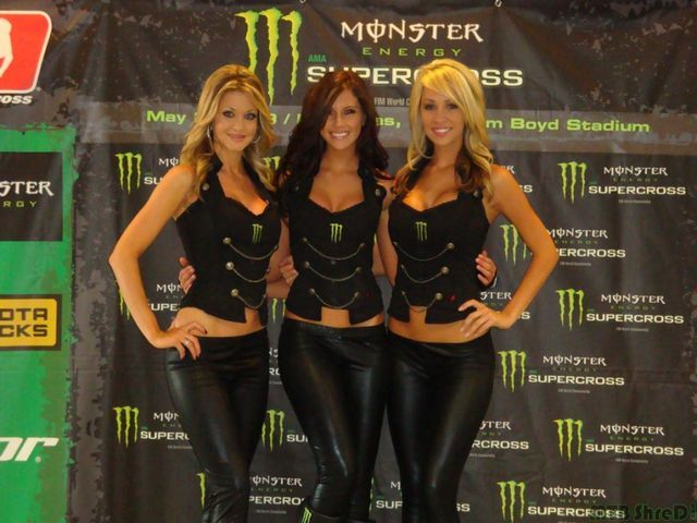 monsterEnergyLadies